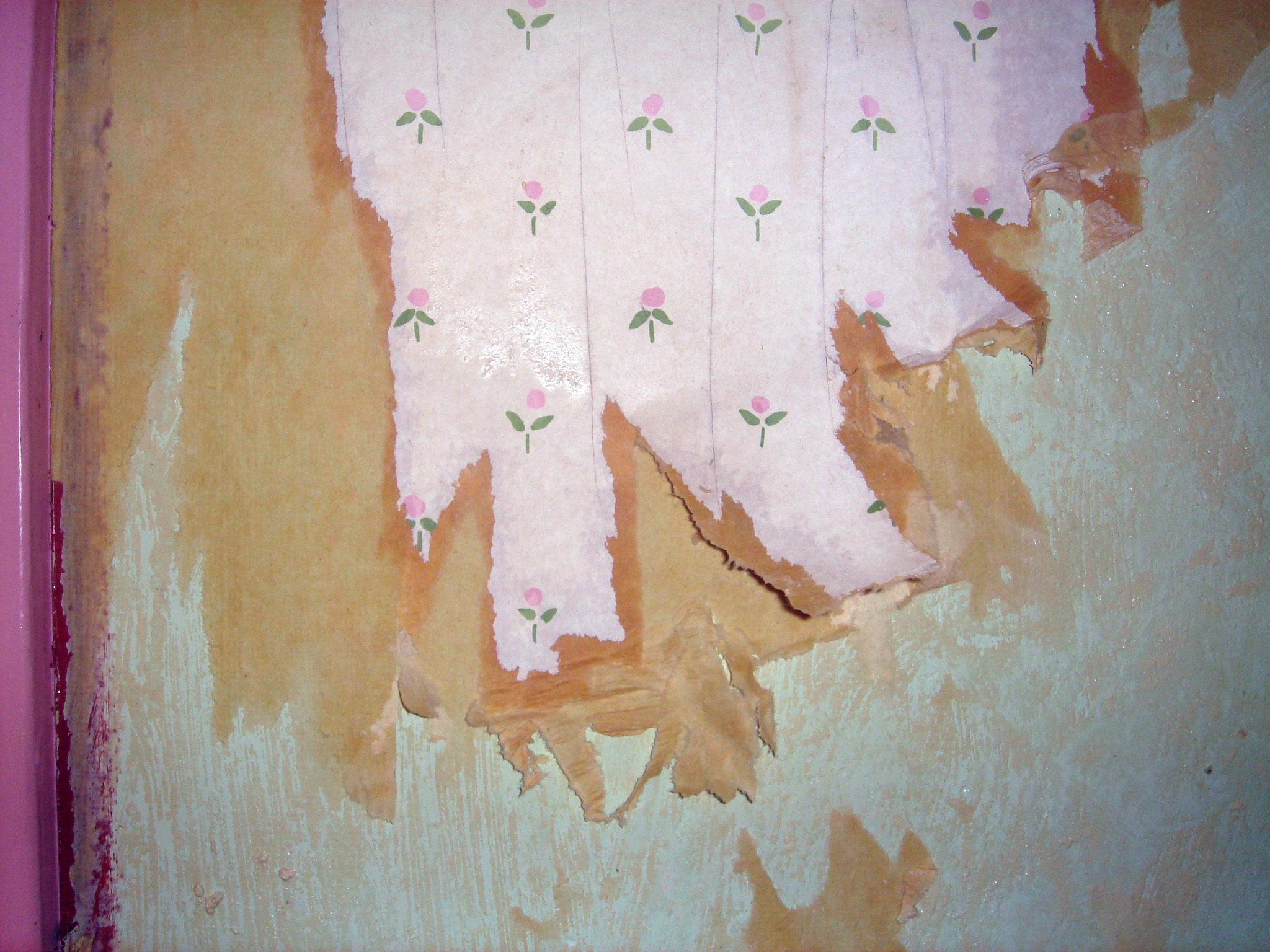 Renovation wallpaper stripping the artsy crafter for Wall to wall paper